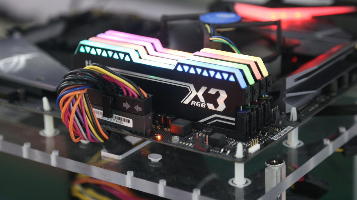 灯条信仰升级 金泰克X3 RGB新品驾到